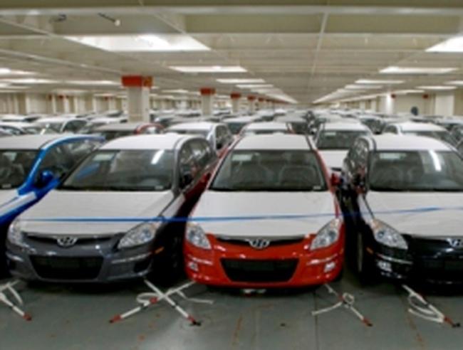 Bộ Tài chính: 2013 không giảm thuế ô tô