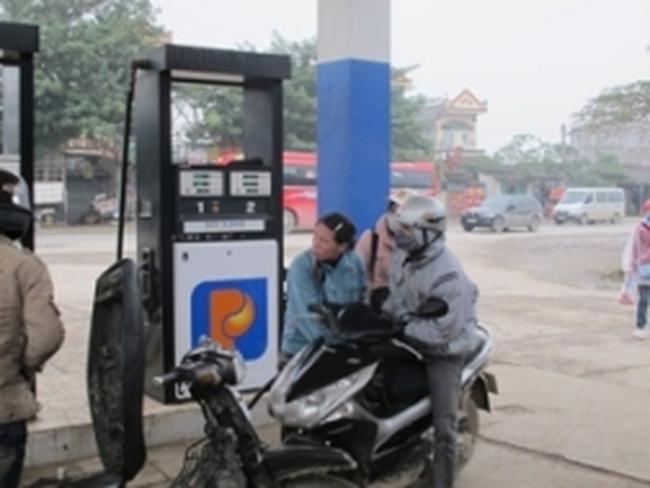 67% số cửa hàng bán xăng tại Hậu Giang gian lận