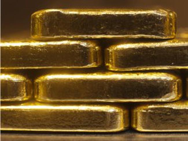 Giá vàng lao dốc xuống dưới 1.600 USD/ounce