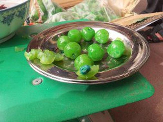 Mứt trái cây làm bằng... nhựa