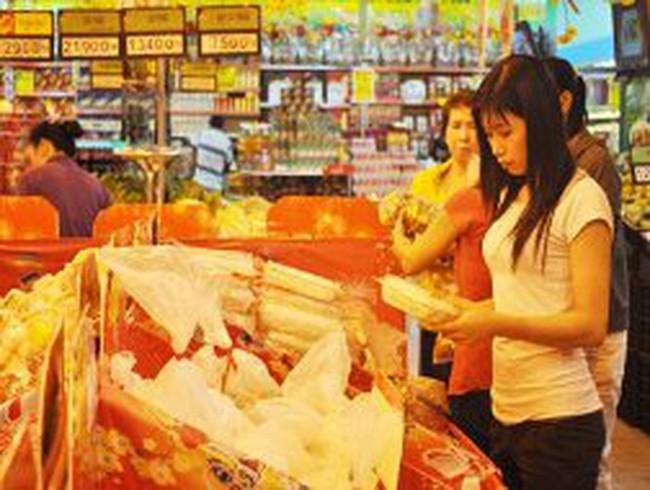 Mùng 2 tết, nhiều siêu thị khai trương trở lại
