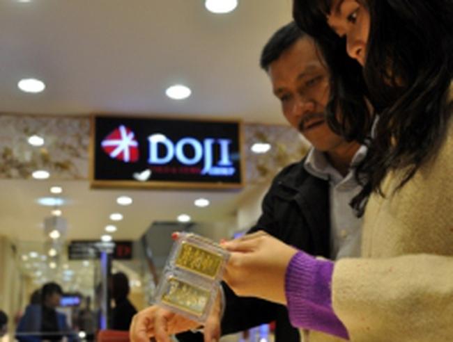 Diễn biến lạ trên thị trường vàng và ngoại tệ