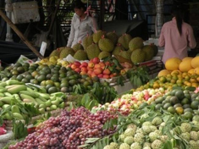 Hoa quả đầu năm: Vừa ôi vừa đắt