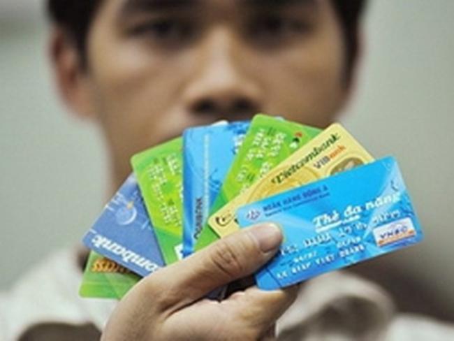 """Sử dụng thẻ ngân hàng: """"Tiện"""" nhưng phải """"lợi"""""""