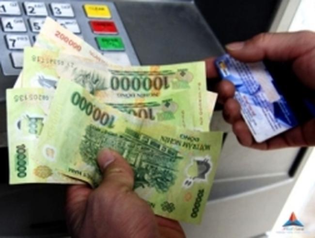 Vụ trưởng Vụ Thanh toán NHNN: Không khẳng định sẽ hết hiện tượng xếp hàng rút tiền ATM