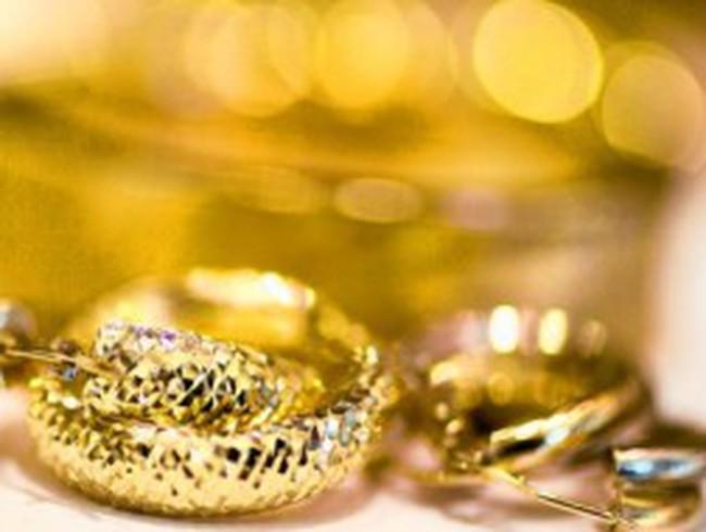 Giá vàng thế giới tăng mạnh nhất 3 tháng