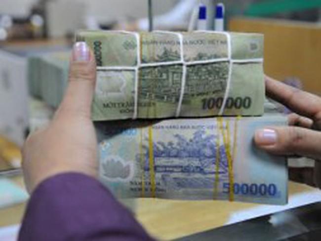 Chính phủ yêu cầu giảm lãi suất tín dụng ngay đầu tháng 4