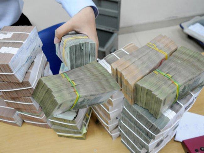 Nền kinh tế phải trả 480 ngàn tỷ lãi ngân hàng trong năm 2012