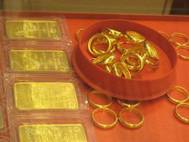 Đừng đổ hết tiền vào vàng