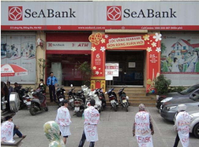 SeABank lên tiếng về việc một số cá nhân tụ tập trước trụ sở Chi nhánh Láng Hạ