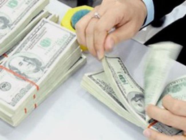 Chiều nay, ngân hàng tiếp tục hạ mạnh giá USD