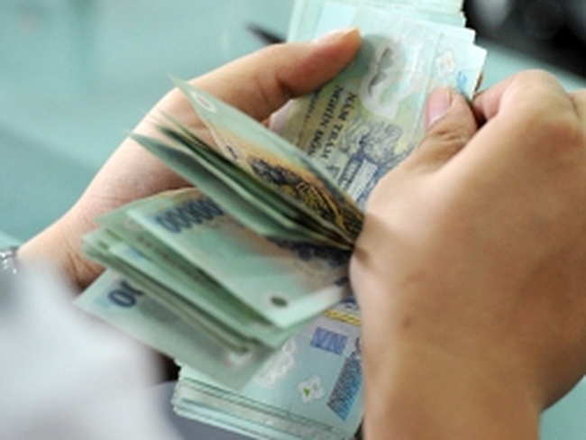 Ngấm ngầm vay tiêu dùng để trả nợ tín dụng đen