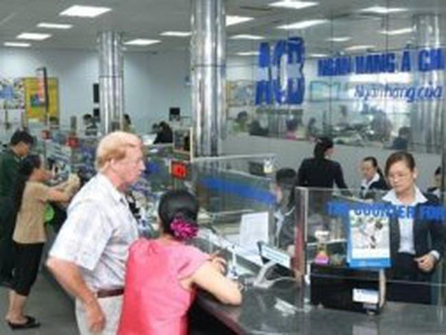 Ngân hàng ACB: Lương giảm gần 30%, nhân sự giảm 568 người trong 6 tháng