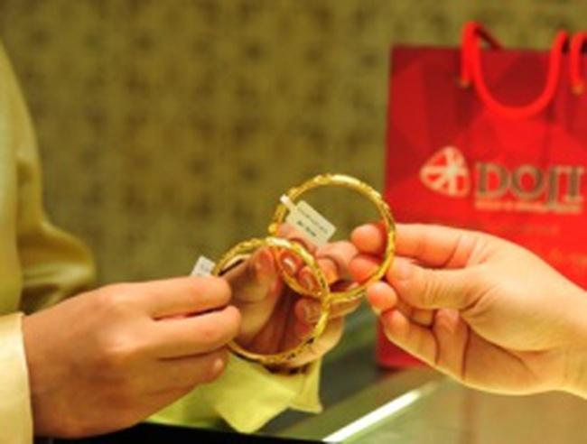 Đầu tuần, giá bán vàng ở sát 38,2 triệu đồng/lượng