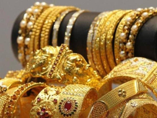 Ấn Độ: Vàng tăng vọt, rupee lao dốc sẽ làm giảm nhu cầu trang sức
