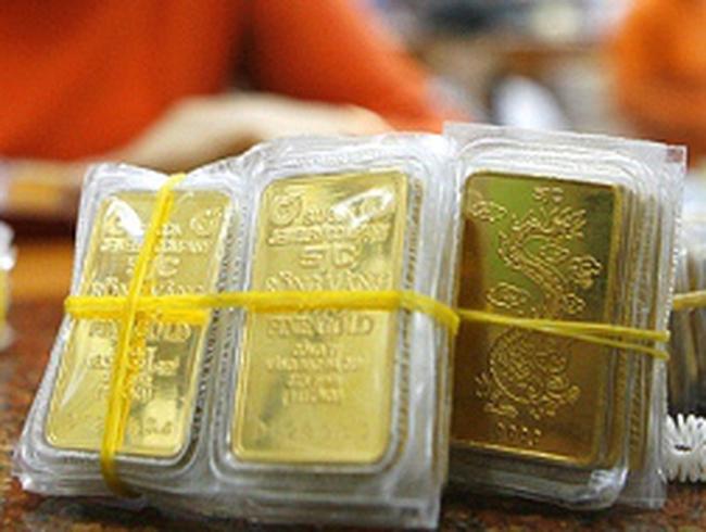 Vàng thế giới cao nhất 3 tháng, vàng trong nước đứng yên chờ kết quả đấu thầu