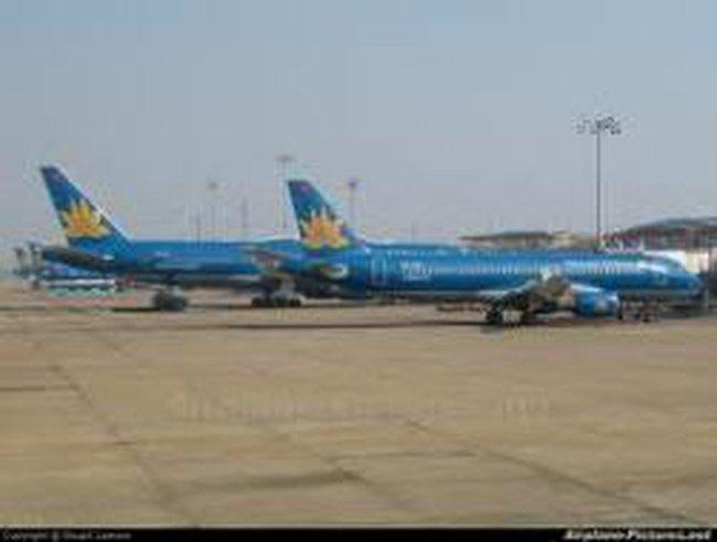 Bão số 11:  Hơn 2000 hành khách bị huỷ chuyến bay