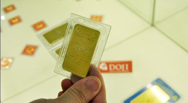 Giá vàng trong nước còn cao hơn thế giới 2,9 triệu đồng/lượng