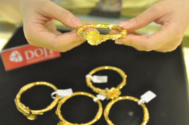 Giá vàng xuống dưới 36 triệu đồng/lượng