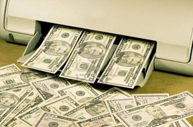 Từ việc rút tiền bằng sổ tiết kiệm giả, hé lộ đường dây mua bán đô la giả