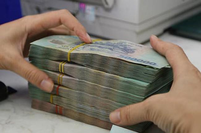 Lãnh đạo ngân hàng bị cắt thưởng nếu chưa trích lập đủ DPRR năm 2013