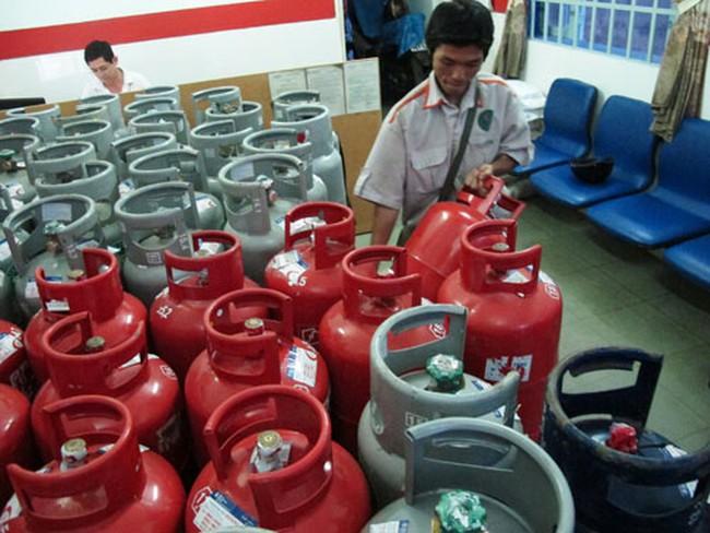 Giá gas tăng 80.000 đồng/bình 12 kg