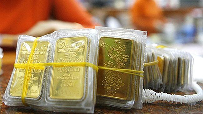 Giá vàng lùi về 35 triệu đồng/lượng