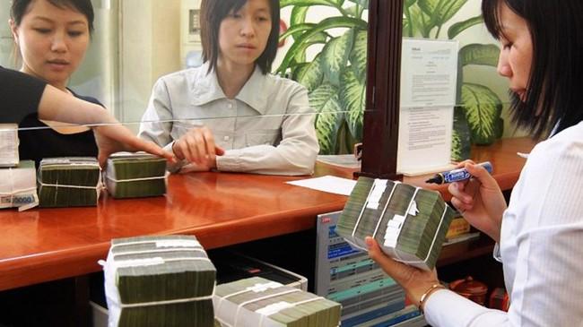 """Tín dụng 2014: Doanh nghiệp và ngân hàng đều vào thế """"kẹt"""""""
