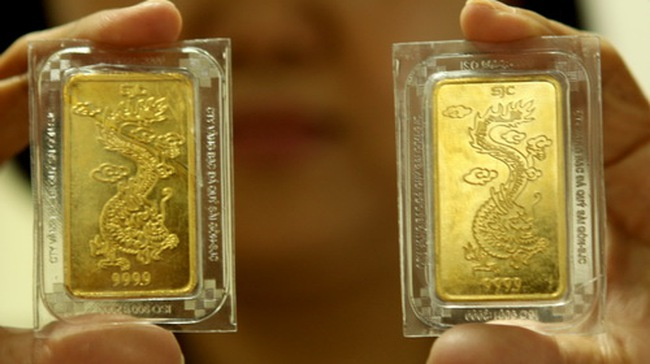 Giá vàng lùi về sát 35 triệu đồng/lượng