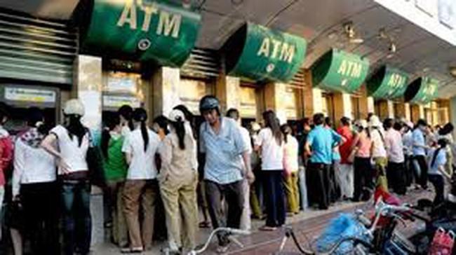 Trăn trở dịch vụ ATM dịp Tết