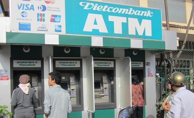 Ngân hàng bắt đầu tận thu phí ATM?