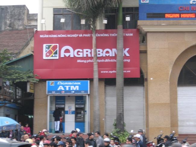 Agribank gửi gần 424.000 tỷ đồng, 14 tỷ USD và 829 triệu Euro tại các TCTD khác trái quy định