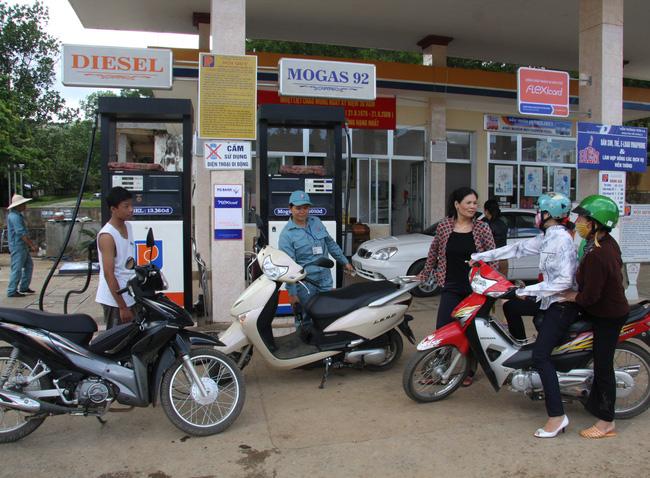 Giá bán lẻ dầu diezen giảm 110 đồng/lít từ ngày 10/2