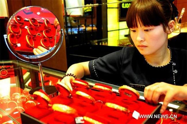 Nhu cầu vàng của Trung Quốc tăng vọt, vượt 1.000 tấn lần đầu tiên trong lịch sử