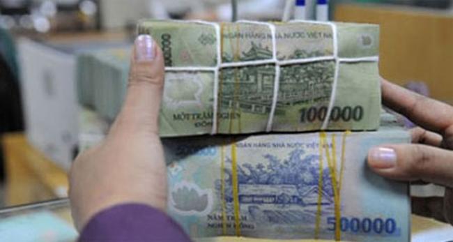 Ngày 12/2: NHNN tiếp tục hút tiền qua OMO, lãi suất liên ngân hàng giảm mạnh
