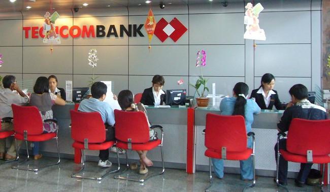 Nhân viên Techcombank đạt thu nhập bình quân 16 triệu đồng/tháng