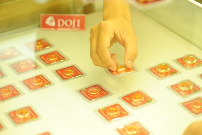 Quay đầu giảm 130 nghìn đồng, giá vàng xuống dưới 36,4 triệu đồng/lượng