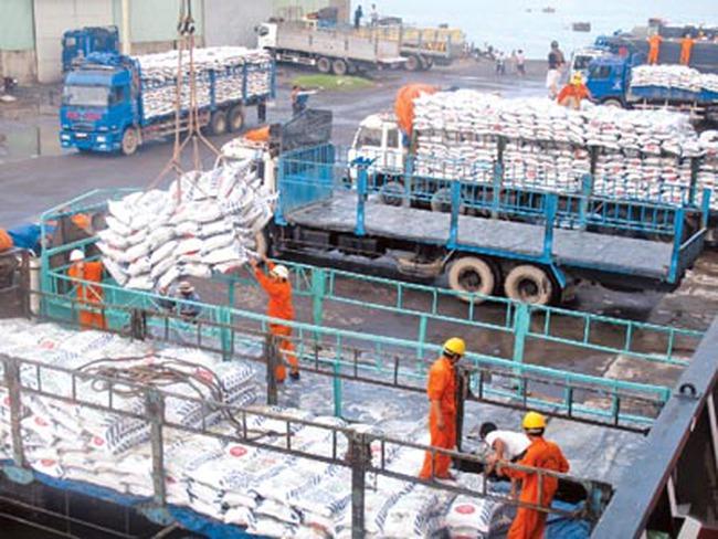 HSBC: Xuất khẩu Việt Nam căng buồm vượt sóng to