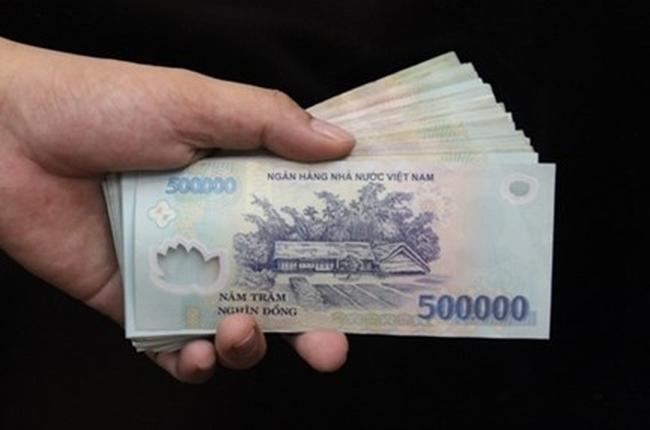 Hoãn xử vụ giám đốc ngân hàng chiếm đoạt hàng chục tỉ đồng