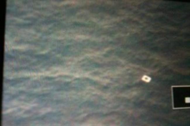 Vớt được vật nổi ở khu vực máy bay Malaysia mất tích