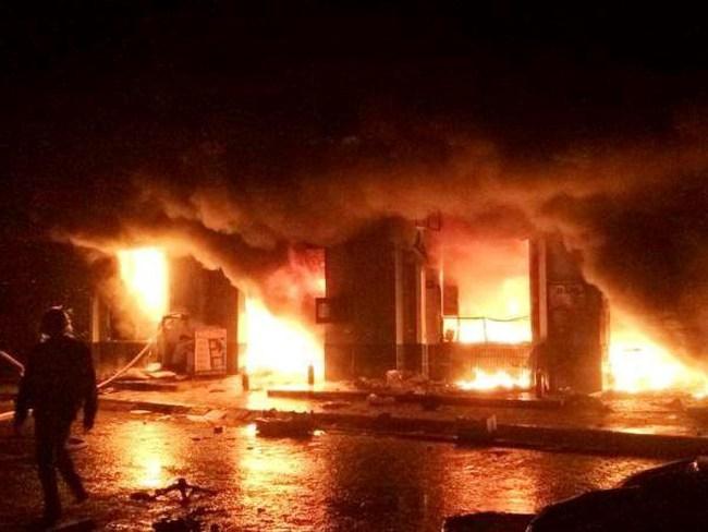Hưng Yên: Cháy lớn giữa đêm thiêu rụi chợ Phố Hiến