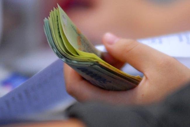 Cầu tín dụng trơ với lãi suất