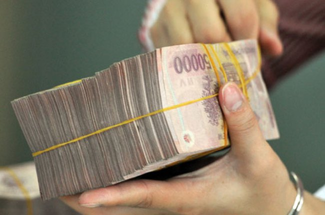 Cần cân nhắc mức phí nộp, rút tiền mặt