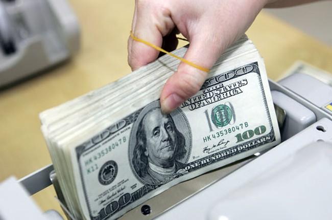 Các ngân hàng đồng loạt nâng mạnh giá USD