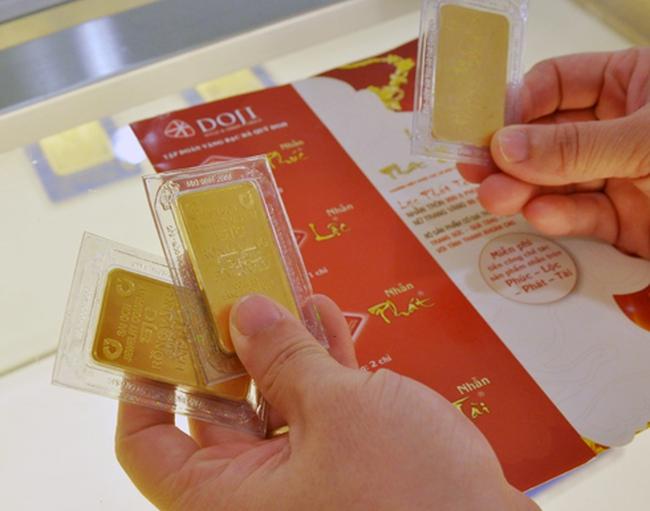 Giá vàng rớt xuống 36,8 triệu đồng/lượng