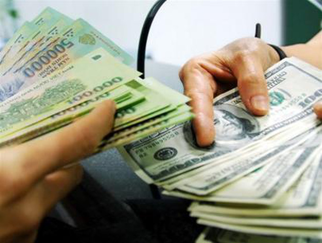 Ngân hàng tiếp tục tăng mạnh giá USD
