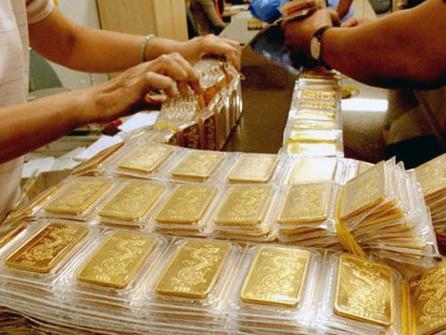 Giá vàng tăng 100 nghìn đồng/lượng, chênh lệch với thế giới còn 3,2 triệu đồng
