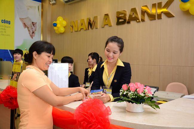 Ngân hàng vẫn mạnh tay tuyển dụng và tăng lương