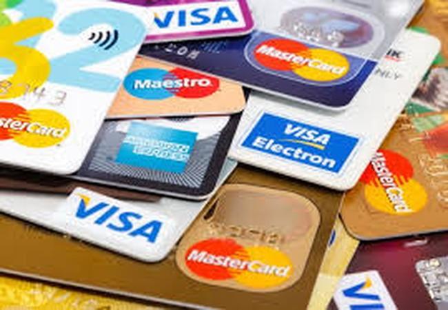 Hãy cẩn trọng với thẻ tín dụng