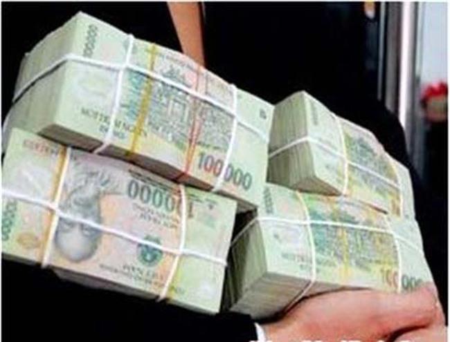 Giả lệnh chuyển tiền, chiếm đoạt hơn 12,7 tỷ đồng